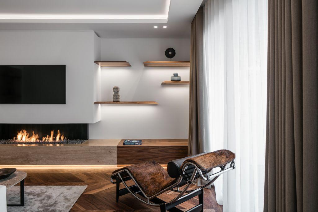 atry home chemin es et po les 06 une chemin e gaz peut tre ouverte avec une rampe sp ciale. Black Bedroom Furniture Sets. Home Design Ideas